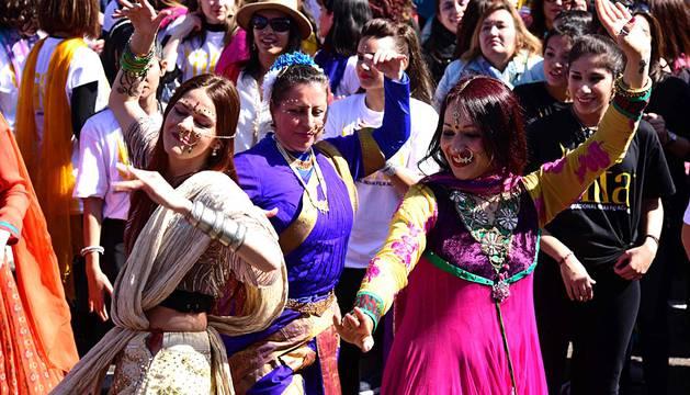 Bollywood despierta pasiones en el Paseo del Prado de Madrid
