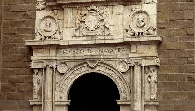 Fachada del Museo de Navarra.