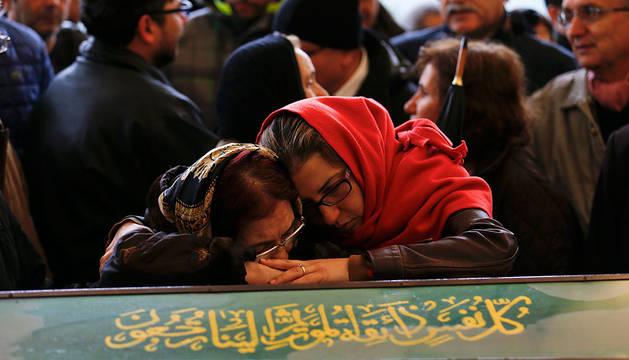 Ceremonia por las víctimas en una mezquita de Ankara.