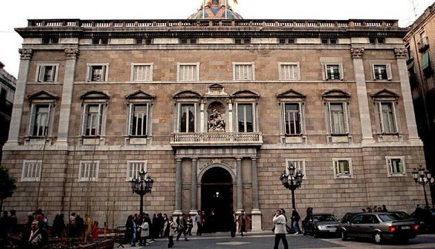 Fachada del palacio de la Generalitat.