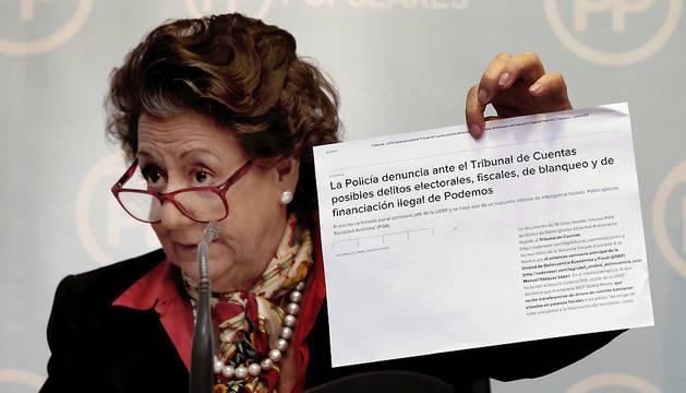 La senadora Rita Barberá, durante la rueda de prensa que ha ofrecido este lunes.