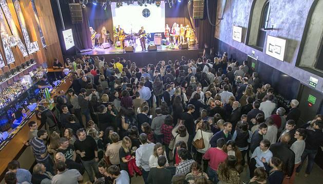 Un millar de personas asistió en el Zentral a la presentación del nuevo producto digital de Diario de Navarra.