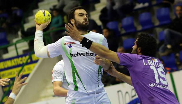 Costoya, contra el Guadalajara.