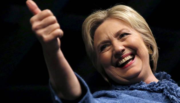 La ex primera dama, Hillary Clinton, celebrando la victoria.