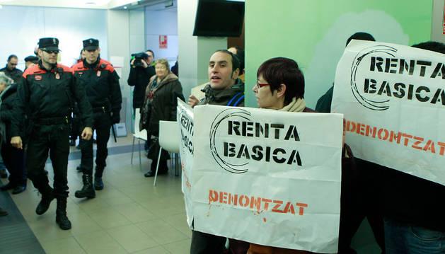 Los perceptores de renta social españoles casi duplican a los de otras nacionalidades