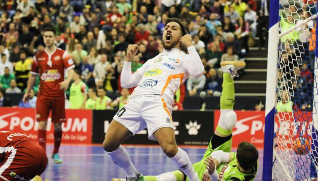 Joselito celebra un gol en la Copa de España.