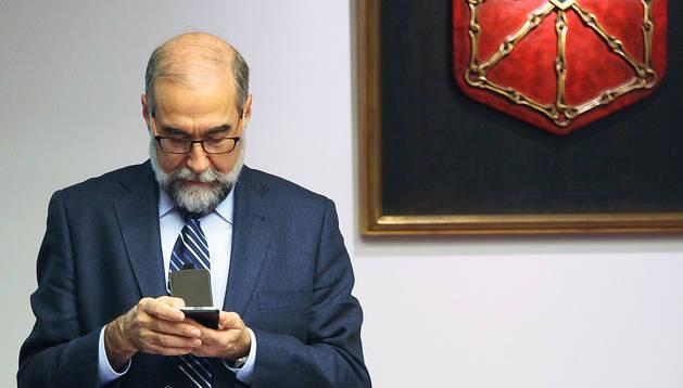 Domínguez dice que acreditación de IDISNA no está paralizada sino ralentizada