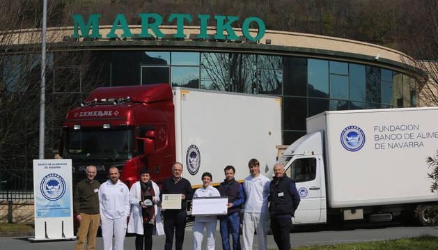 Trabajadores de Martiko y miembros del Banco de Alimentos.