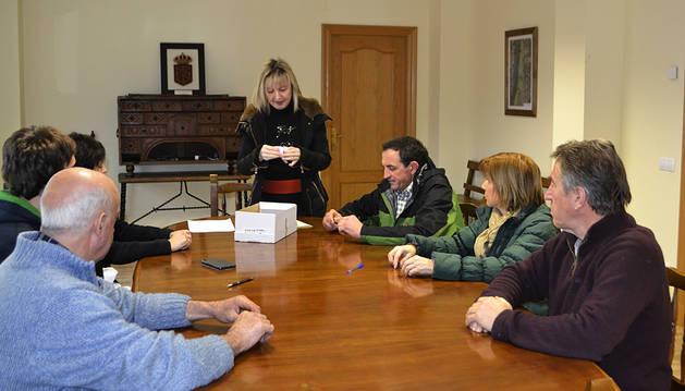 Lezáun elige alcaldesa tras casi un año en funciones