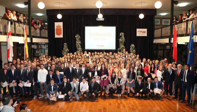 Entregados los títulos de FP y Bachiller Tecnológico a 155 alumnos del CIP ETI de Tudela