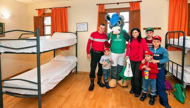 La primera familia que visita SendaViva esta temporada.