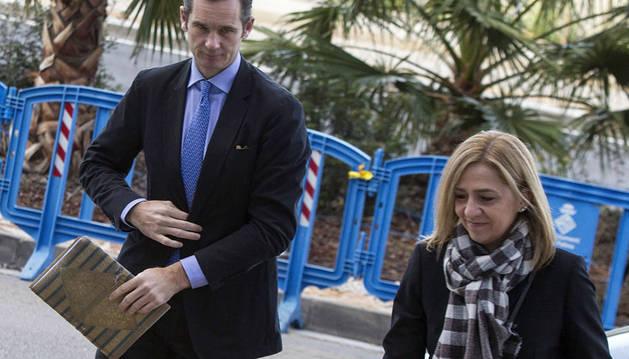 La infanta Cristina y Urdangarin llegan al juicio en Palma.