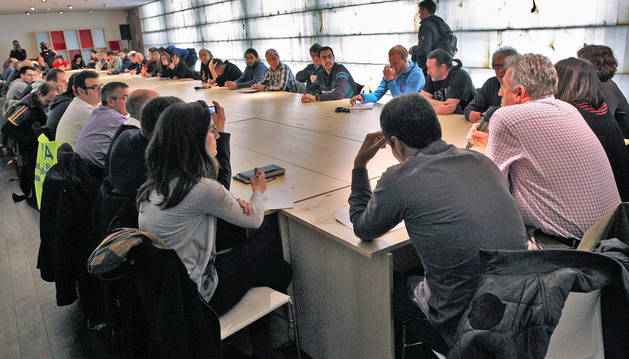 Los colectivos se reunieron ayer en la primera cita anual de la mesa general de los Sanfermines, presidida por Joseba Asiron (Bildu).