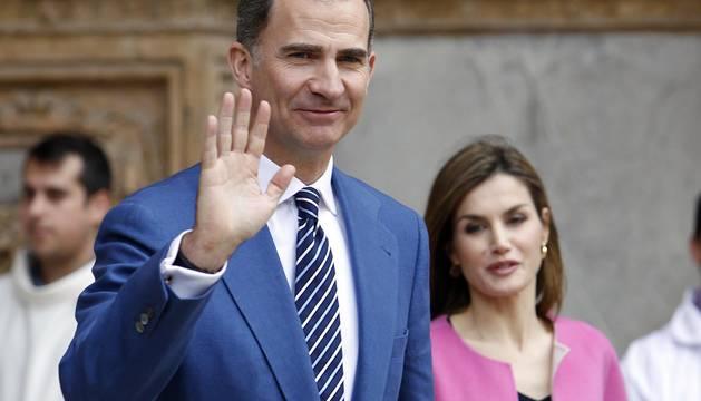 Los reyes Felipe y Letizia, sus hijas, la princesa Leonor y la infanta Sofía, y la reina Sofía asistieron este domingo a la misa del Domingo de Resurrección en la Catedral de Palma.
