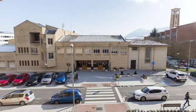 Colegio, padres y consistorio se unen en Beriáin para defender el colegio