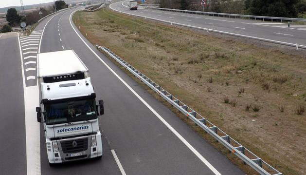 Las ventas de camiones caen más de un 30% en los dos primeros meses