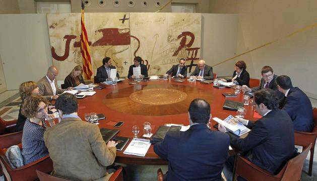 El independentismo catalán da una de cal y otra de arena en la vía secesionista