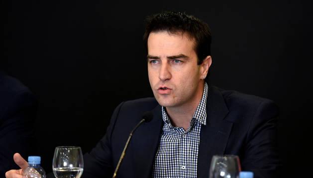Gorka Maneiro, en la rueda de prensa en la que presentó su candidatura.
