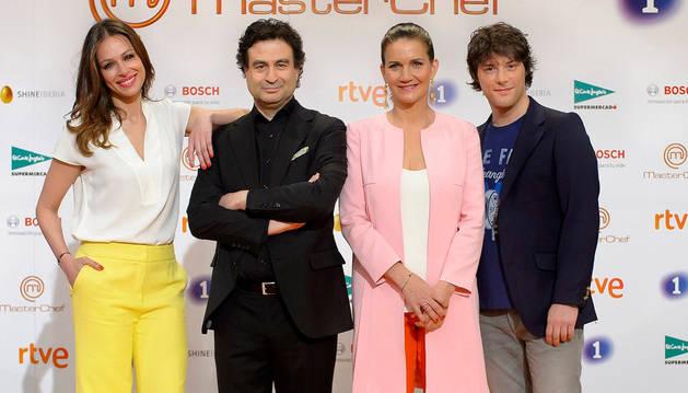 La presentadora Eva González y los cocineros Pepe Rodríguez, Samantha Vallejo-Nájera y Jordi Cruz protagonistas de 'MasterChef'.