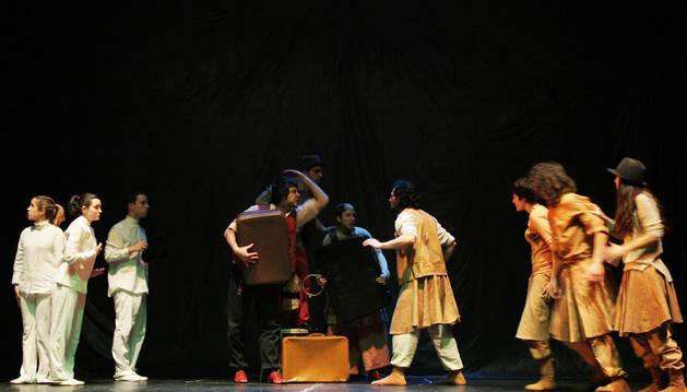 Antzerki Aroa cierra el telón el miércoles en la Escuela Navarra de Teatro con la obra 'Arte'