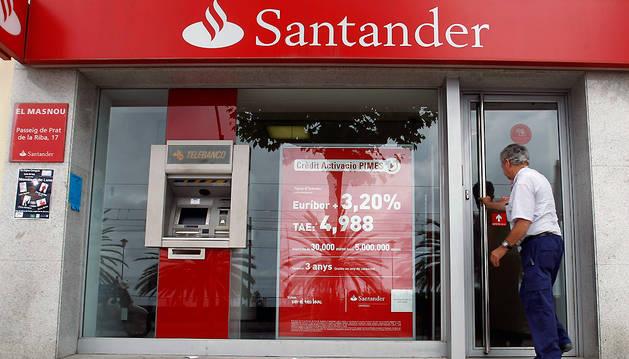 Imagen de archivo de una oficina del Banco de Santander.
