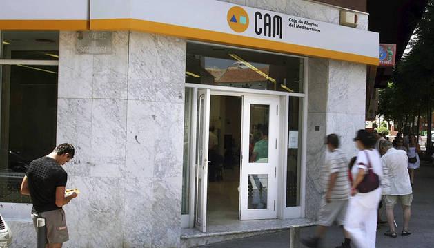 Ocho exdirectivos de la CAM irán a juicio por la quiebra de la caja