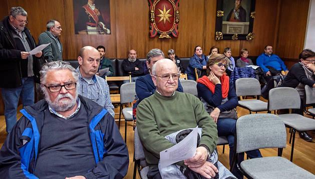 Público en el salón de plenos espera el comienzo de la sesión ordinaria que se desarrolló el jueves.