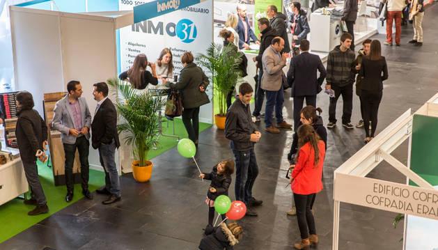 Inauguración, ayer, del III Salón Inmobiliario de Navarra. El pasado año fue visitado por más de 5.000 personas.