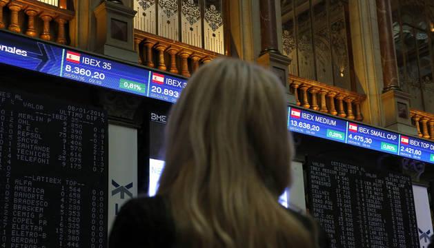 El IBEX amplía las ganancias al 1,5% a media sesión y recupera los 8.400 puntos