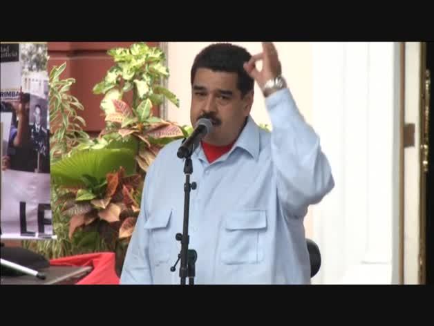 """Maduro llama a Rajoy """"racista, colonialista y basura corrupta"""""""