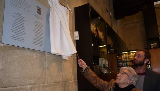 Una placa en el Gustavo de Maeztu para no olvidar las heridas de su pasado
