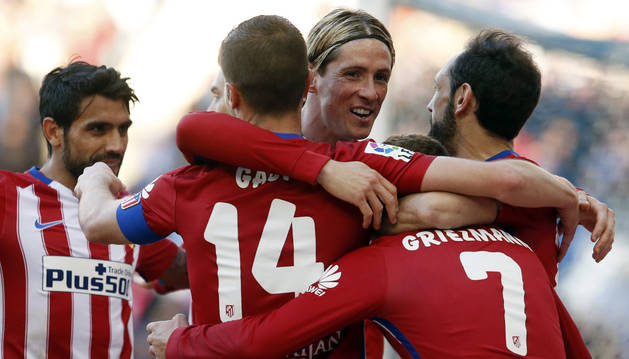 Fernando Torres celebra el gol contra el Espanyol.