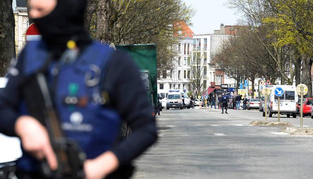 Operación de la Policía belga en el barrio de Etterbeek.