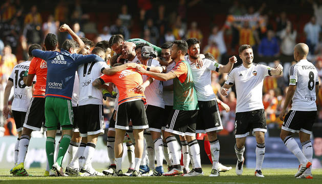 El Valencia celebra la victoria.