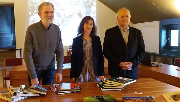 El Archivo de Navarra recibe una donación de fotografías de Domench y Azpilicueta