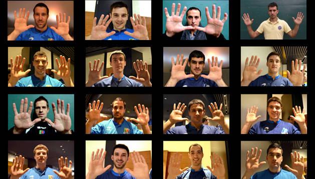 Las manos de los 16 pelotaris participantes.