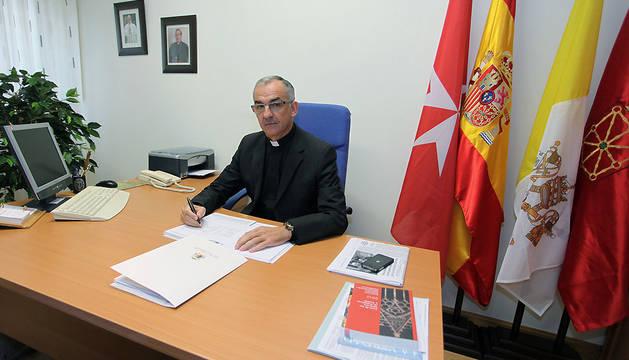 El delegado de Relaciones Institucionales de la Diócesis, José Luis Morrás, en el Arzobispado.