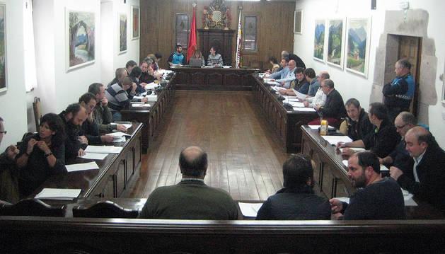 Instantánea de la última sesión celebrada por la Junta General del valle de Baztan.