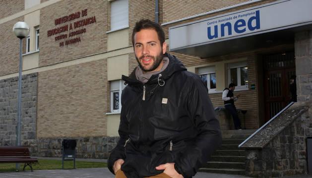 Javier Morentin, premio al mejor expediente de la UNED