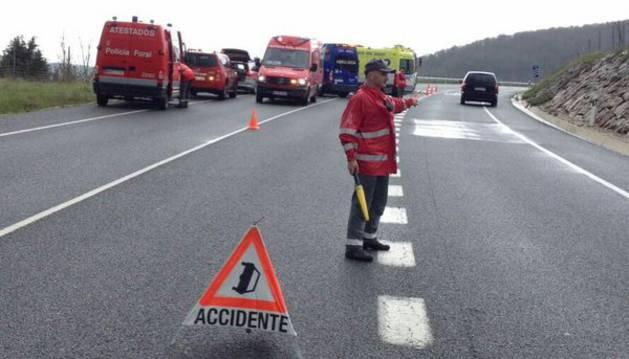 Cuatro heridos graves tras una colisión en la N-121-A, a la altura de Ostiz