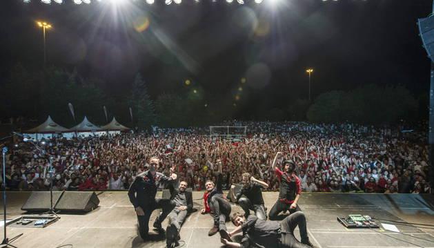 Actuación de M-Clan, dentro de los conciertos de sanfermines en la Plaza de los Fueros.