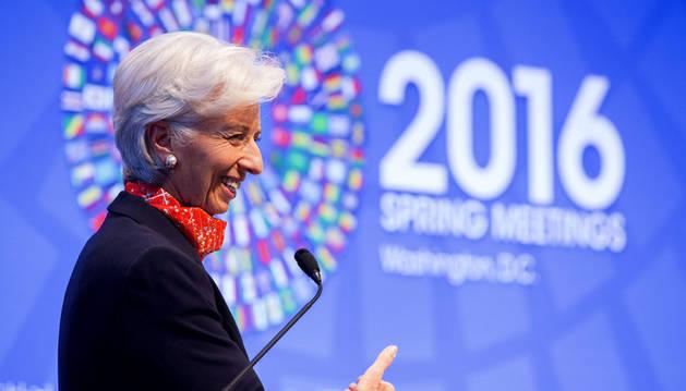 El FMI ve suavizarse el crecimiento en España con un 2,6% en 2016