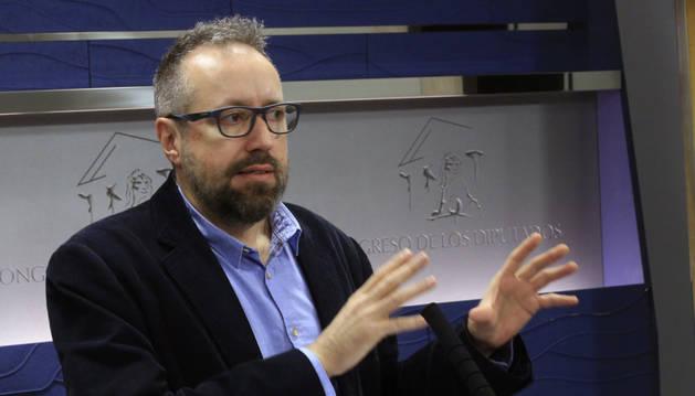 El portavoz de Ciudadanos en el Congreso, Juan Carlos Girauta, durante la rueda de prensa.