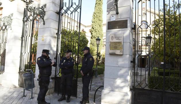 El PP suspende cautelarmente de militancia al alcalde de Granada