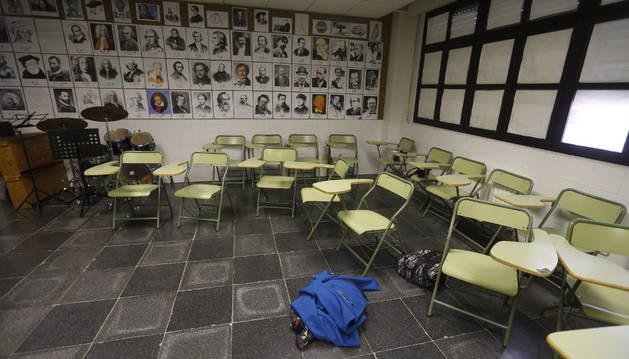 Aulas vacías en el IES Juan de La Cierva de Madrid.