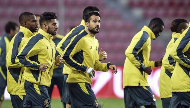 Los jugadores del Villarreal, en Praga.