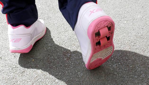 Unas zapatillas que 'no van sobre ruedas'