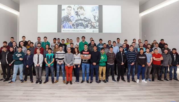 Los nuevos estudiantes en prácticas de FP en Volkswagen Navarra