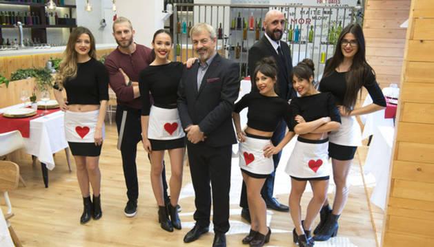 Carlos Sobera, 'Cupido' en el programa de citas a ciegas 'Firt Dates' de Cuatro