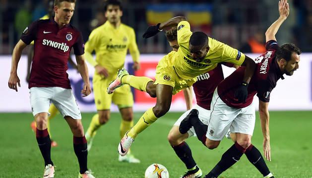 El Villarreal se pasea por Praga para alcanzar las semifinales